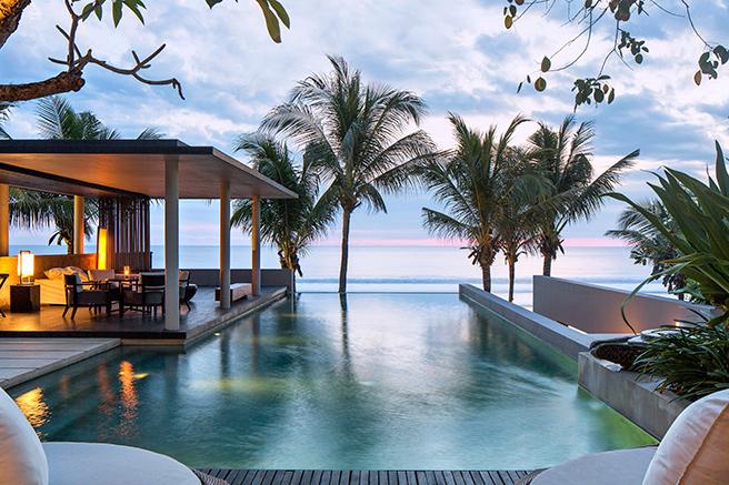 Dacă vă place sportul, aventura, vreți să dobândiți abilități noi sau pur și simplu să vă relaxați, One & Only Reethi Rah este pentru voi. Situat pe una dintre cele mai mari insule din Maldive, oferă șansa tuturor oaspeților de a se bucura de cele mai frumoase activități.
